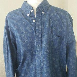 - Gap button up dress shirt